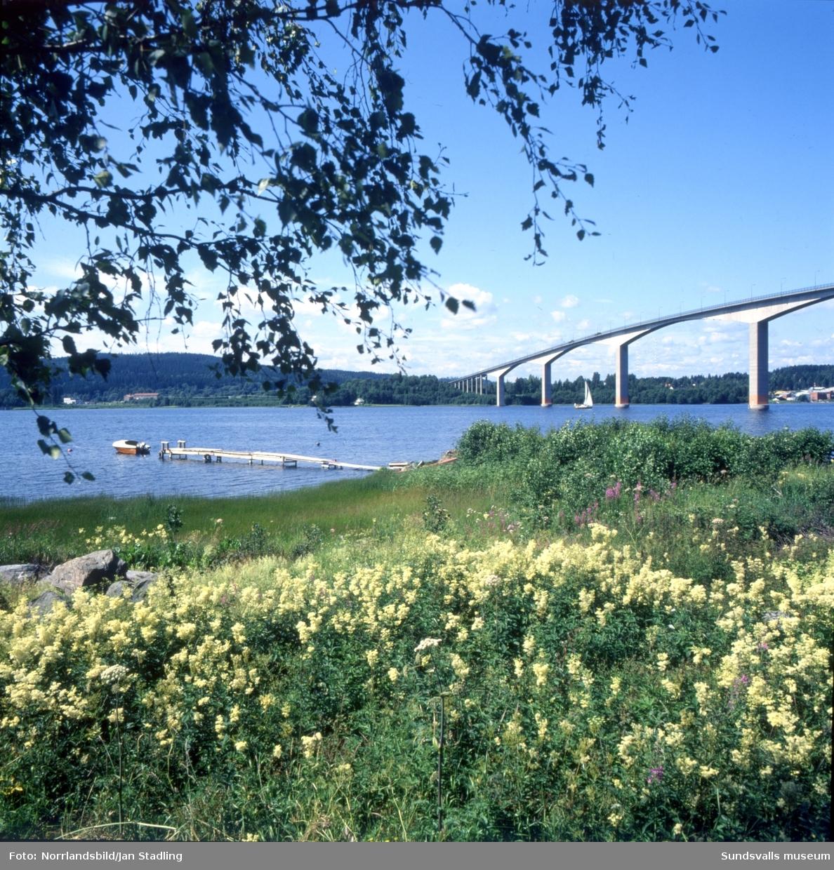 Alnöbron sedd från Alnösidan, till vänster Fillans skola.