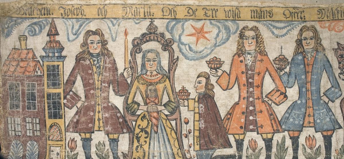Konungarnas färd och tillbedjan. De heliga tre konungar rider från höger mot Maria och Jesusbarnet på tronen placerade till vänster. Jämte tronen till vänster står också Josef med det tända ljuset och på högra sidan ser man Betlehems stjärna.