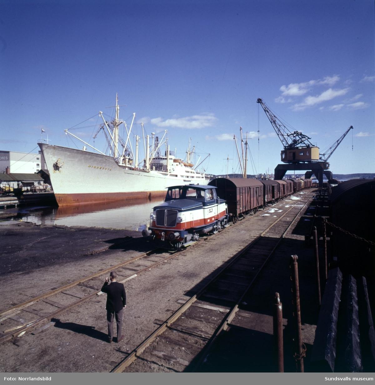 Fartyget Minnesota besöker Sundsvalls hamn.