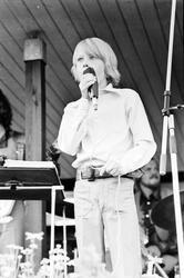 """""""På bassängkanten i Örbyhus"""" Uppland 1973"""