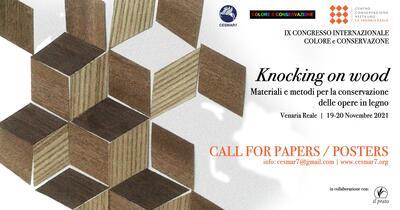 Knocking_on_wood.jpg. Foto/Photo