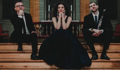 Opera Fermate er en operatrio med den italienske sopranen Olivera Ticevic i front.. Foto/Photo