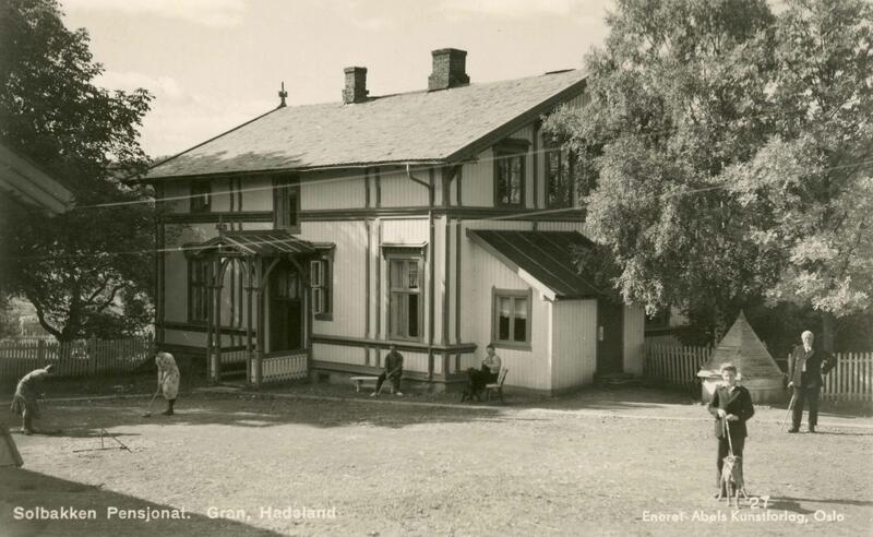 Solbakken pensjonat, Gran. Foto: Abels kunstforlag/Randsfjordmuseet. (Foto/Photo)
