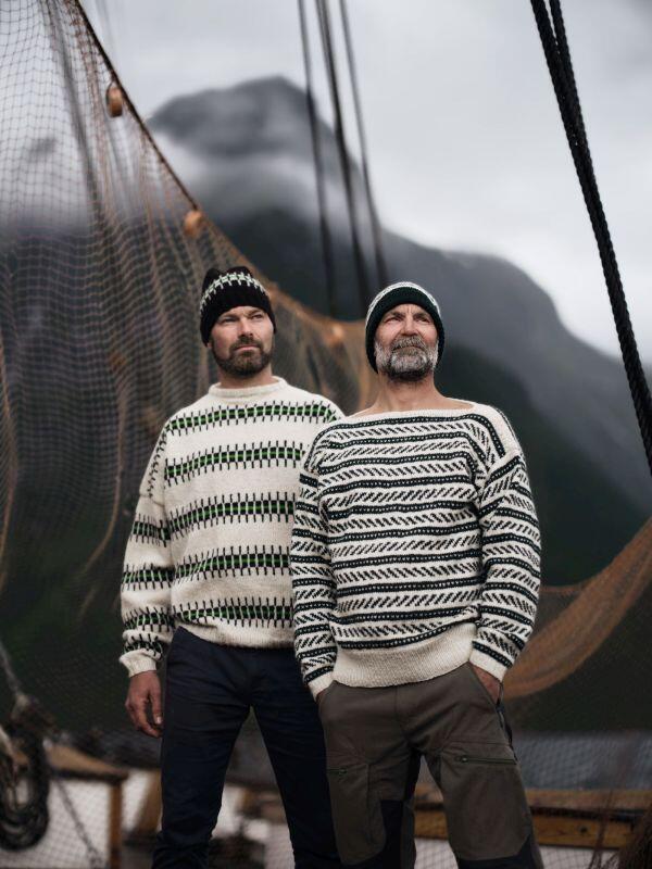 to menn i strikka genser (Foto/Photo)