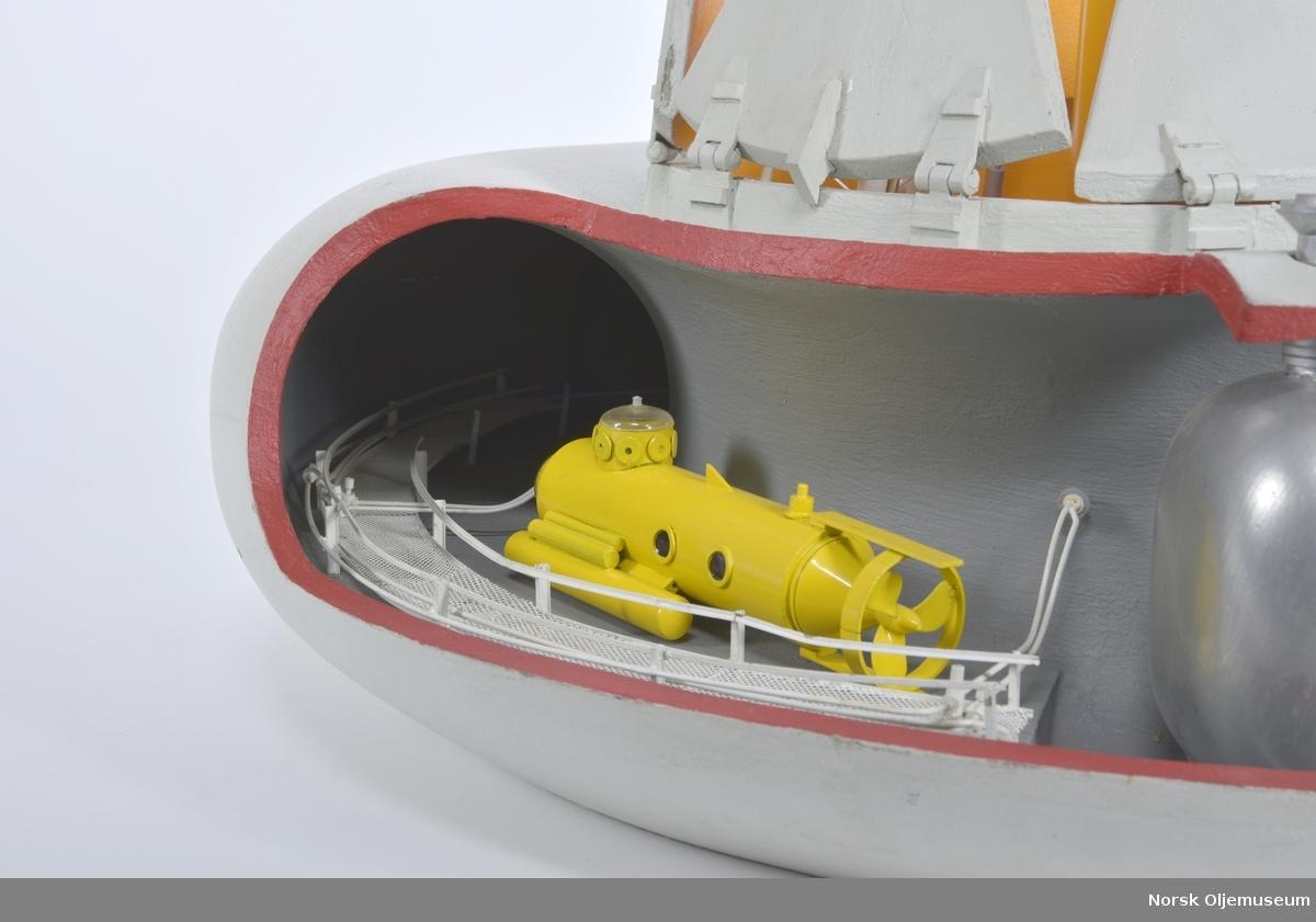 Konseptmodell for smultringformet kontrollenhet for sattellitthull. Enheten er delvis bemannet med tilkobling for u-båt og personaltransport.   Konseptet var basert på et selvsentrerende system som gjorde at for eksempel en ukontrollert utblåsing kunne kontrolleres og håndteres i mye større grad.