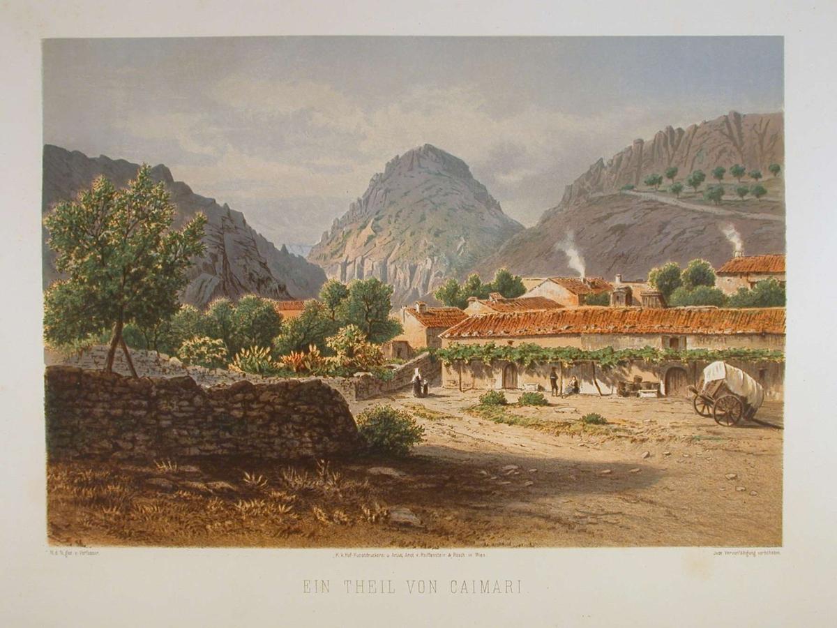 Landsby omgitt av fjell