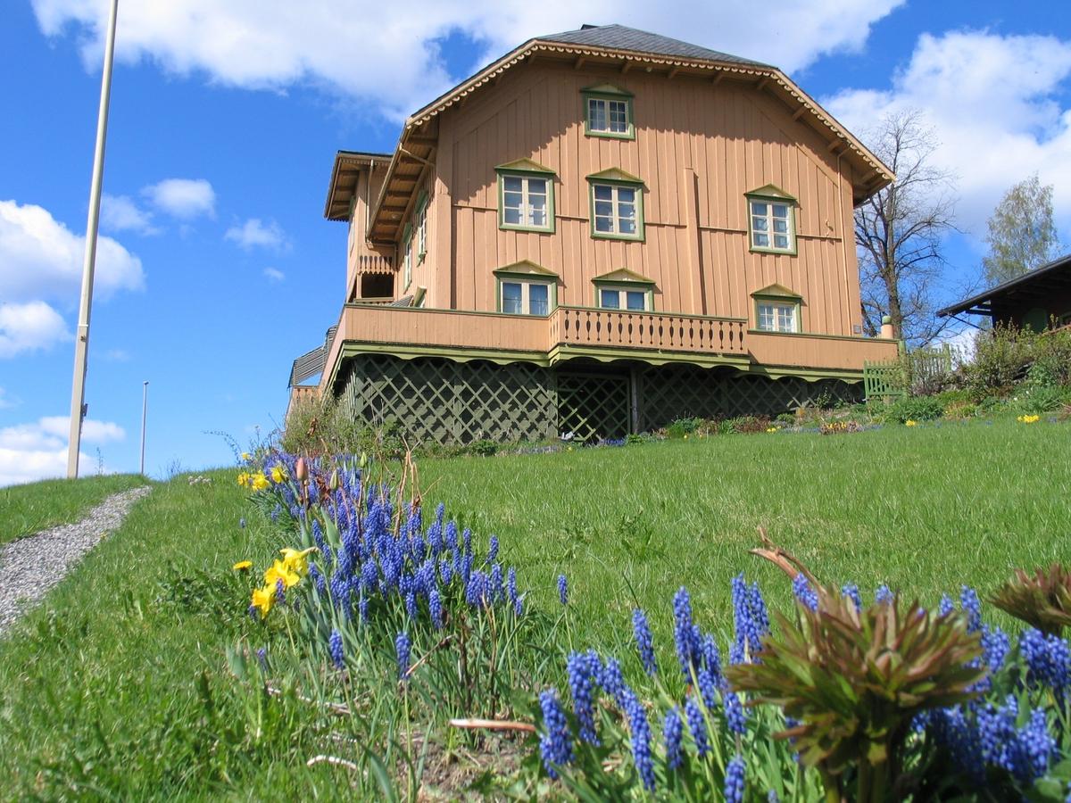 DOK:2007, Aulestad, hage, blomster, perleblomster,