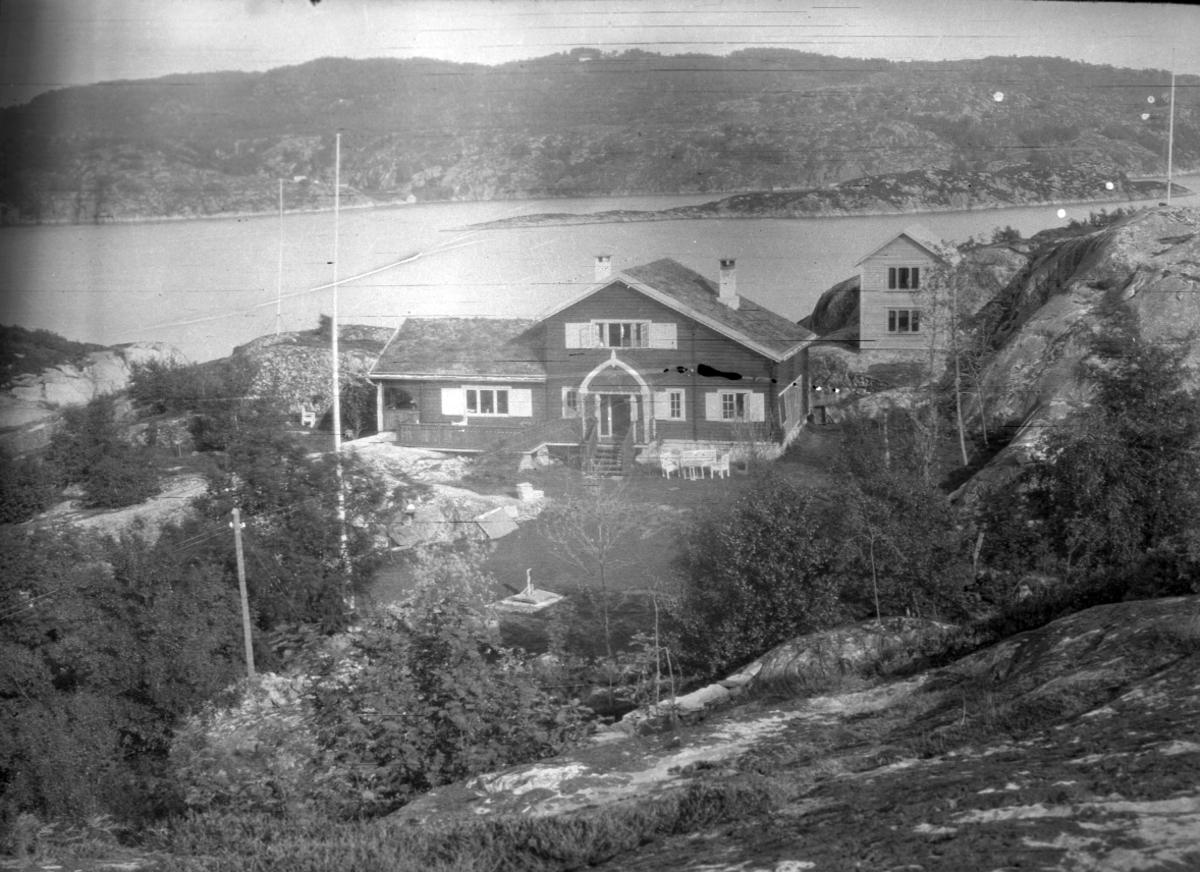Hus, fjord, ukjent sted,