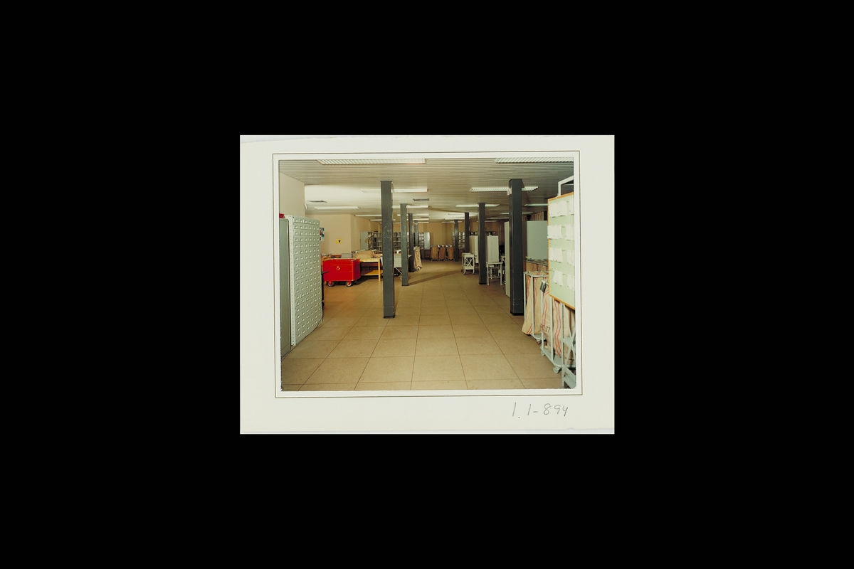 interiør, postkontor, 3003 Strømsø, sortering, postsekker, posttralle
