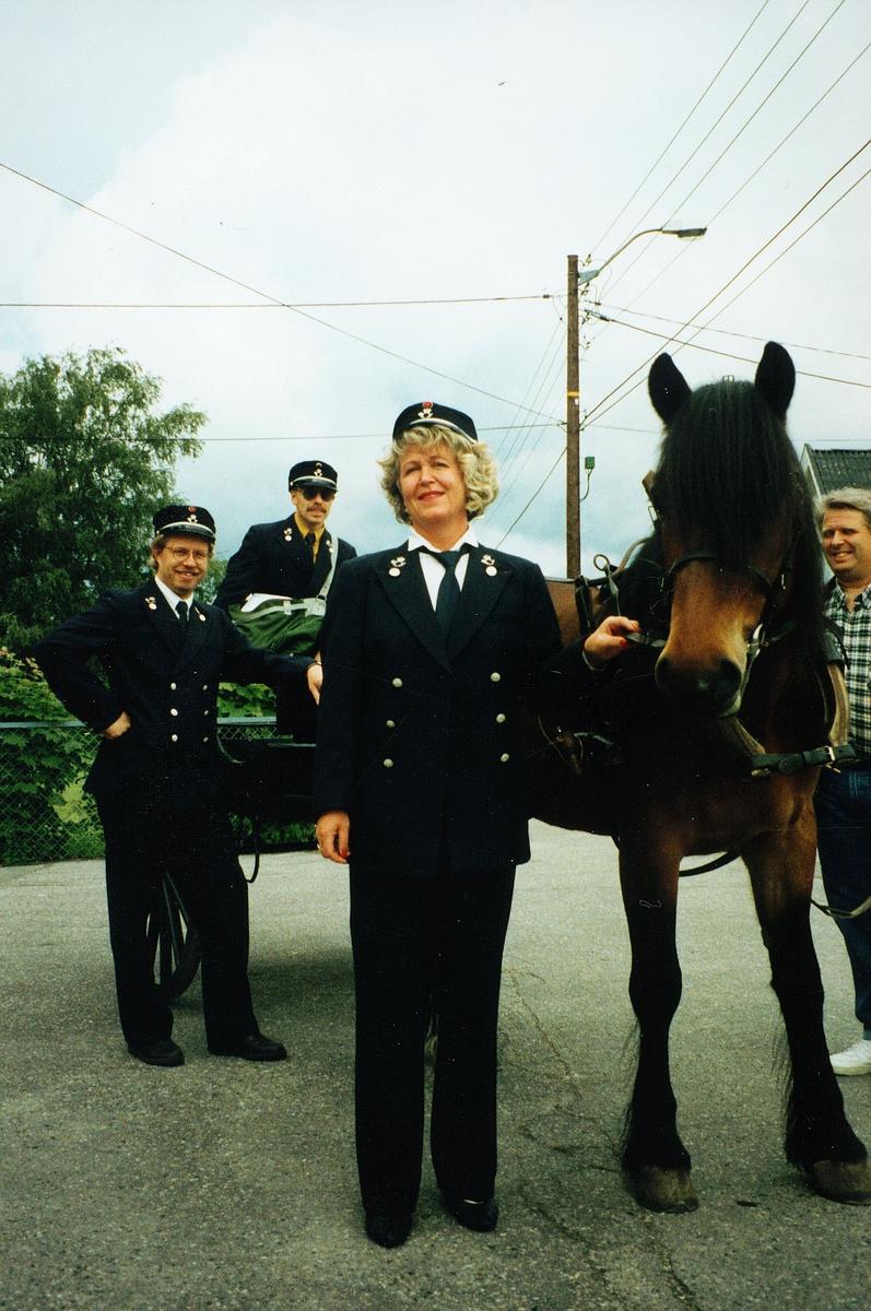 markedsføring, Greåker, 120 års jubileum, hest, kjerre, tre postfolk i uniform