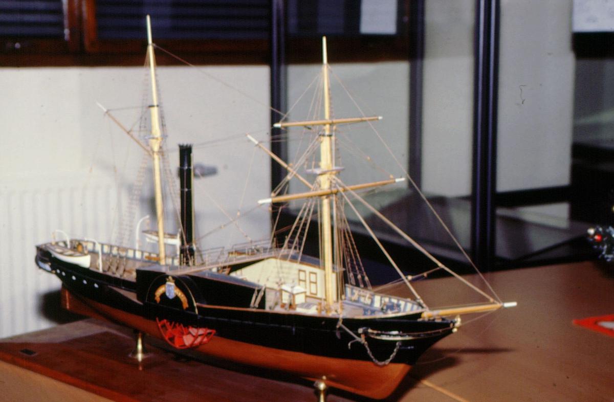 postmuseet, utstilling, gjenstander, båtmodell, Prinds Gustav
