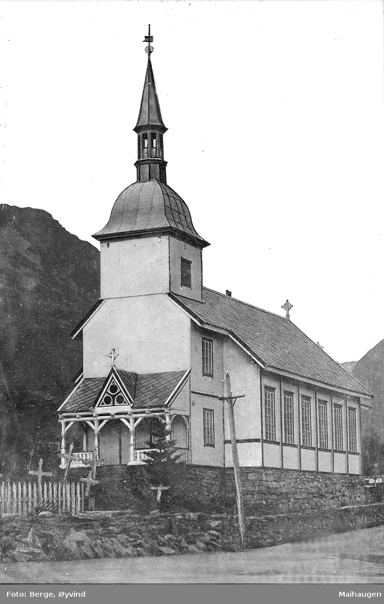 Ørsta kirke før svalen ble ombygget i 1953