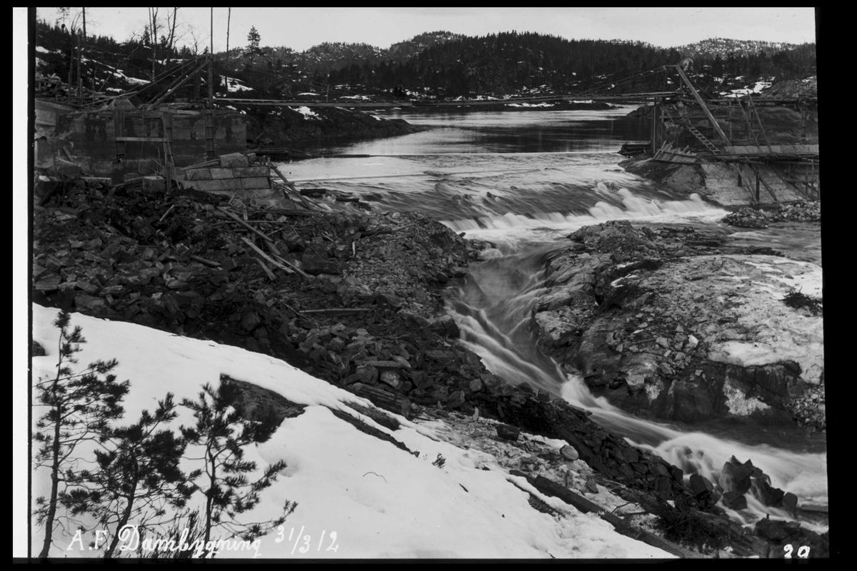 Arendal Fossekompani i begynnelsen av 1900-tallet CD merket 0565, Bilde: 69 Sted: Haugsjå Beskrivelse: Byggearbeid dam