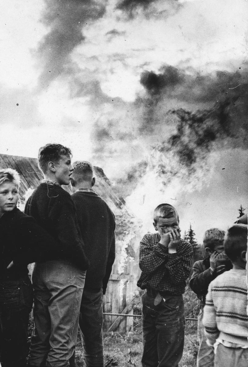 Brannøvelse ved Ås kommune brannvesen.