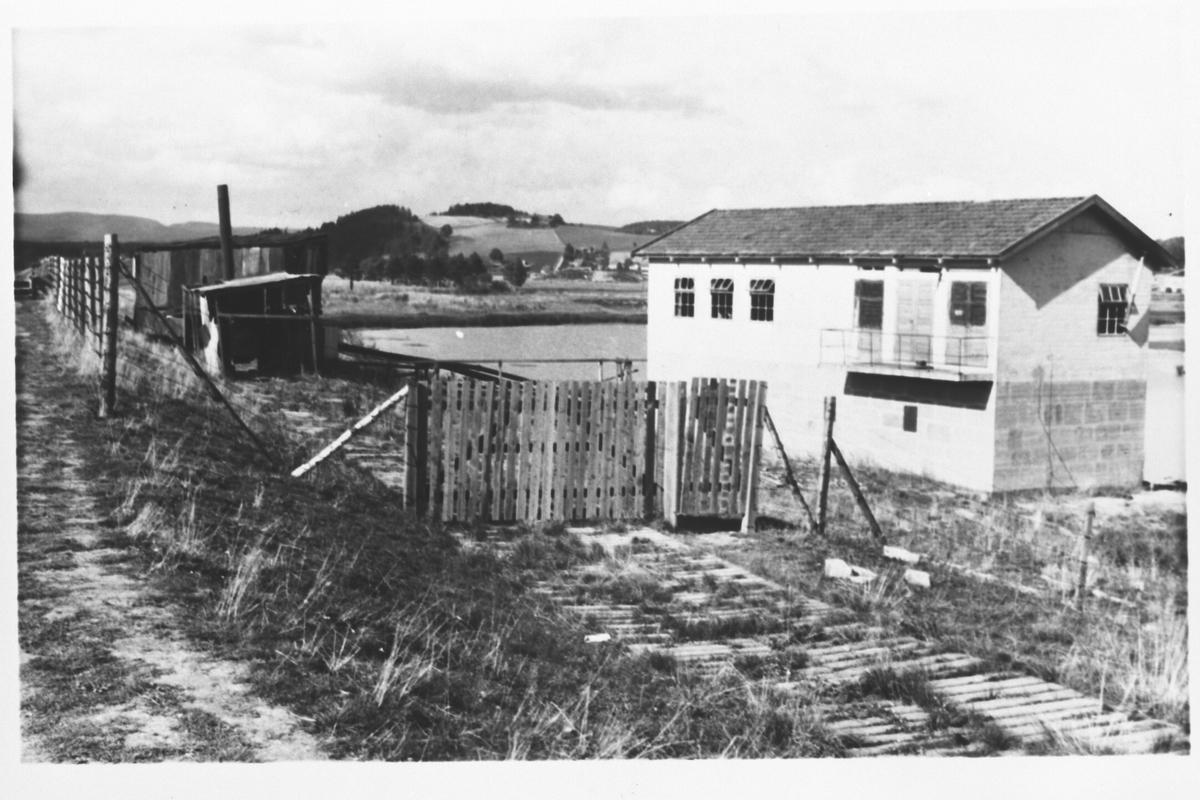 Pumpestasjonen ved demningen ved Kjeller flyplass