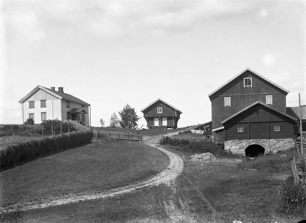 Graven eller Grova eller Gråva gårder