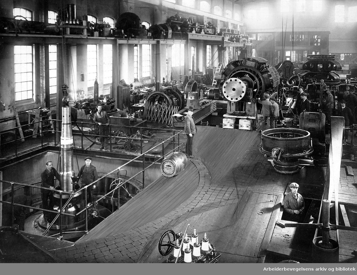 Fra monteringshallen til A/S Norsk Elektrisk & Brown Bovery (NEBB) (Norsk Elektrisk Aktiebolag) på Skøyen,.1930-årene