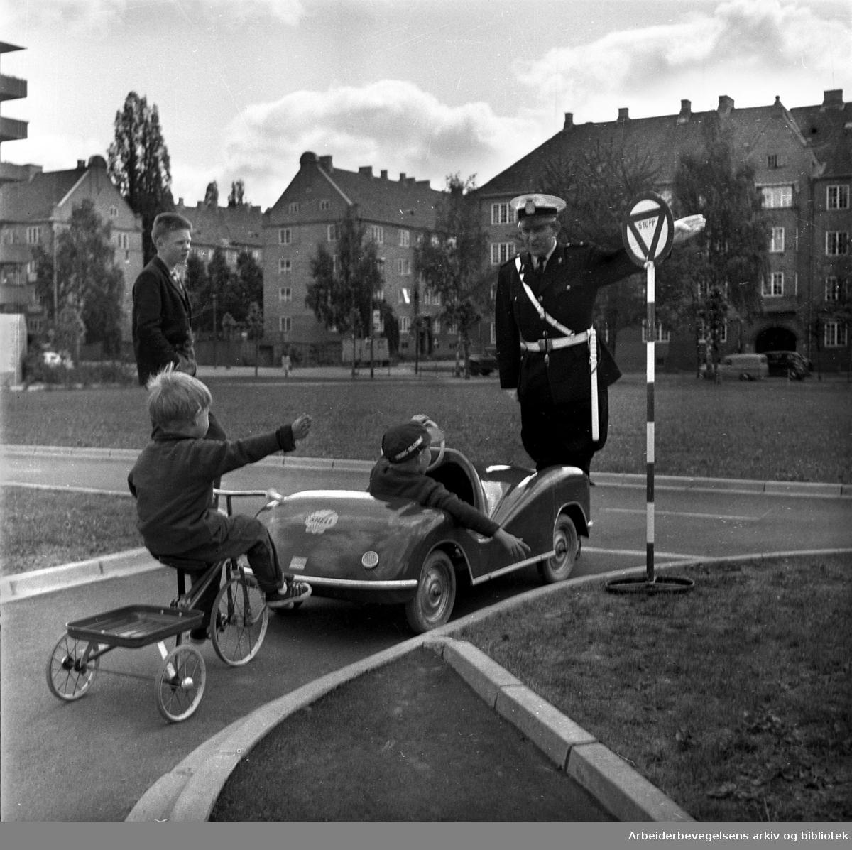 Trafikkskole på Marienlyst, juni 1964