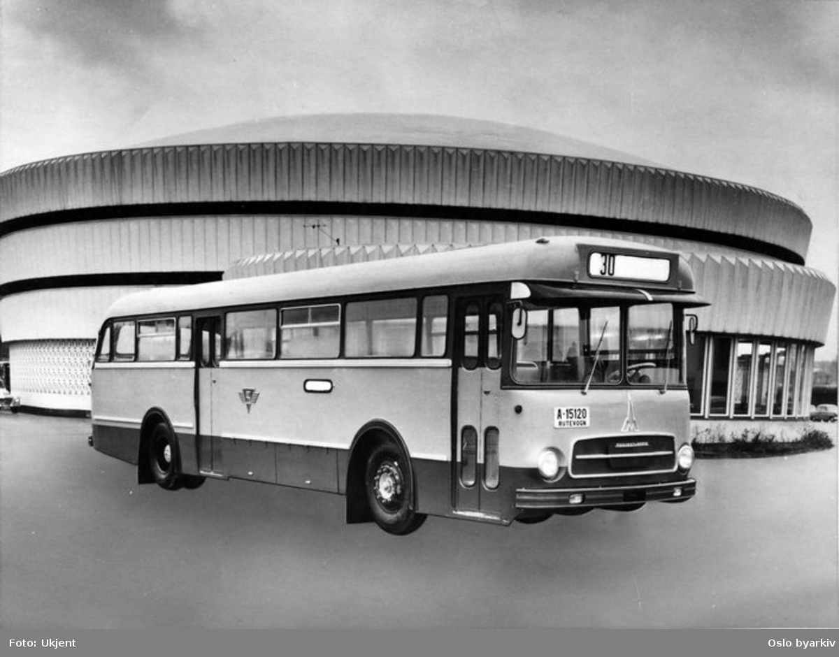 Reklamebilde for Magirus Saturn buss.