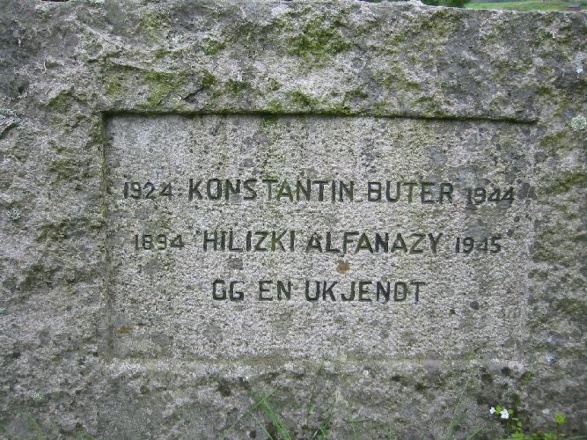 To stk. gravstener i granitt B. 1,10 m. H. 0,85 m.D. 0,20 m Innhogd tekstflate på 0,60 X 0,20 m. med skrift.