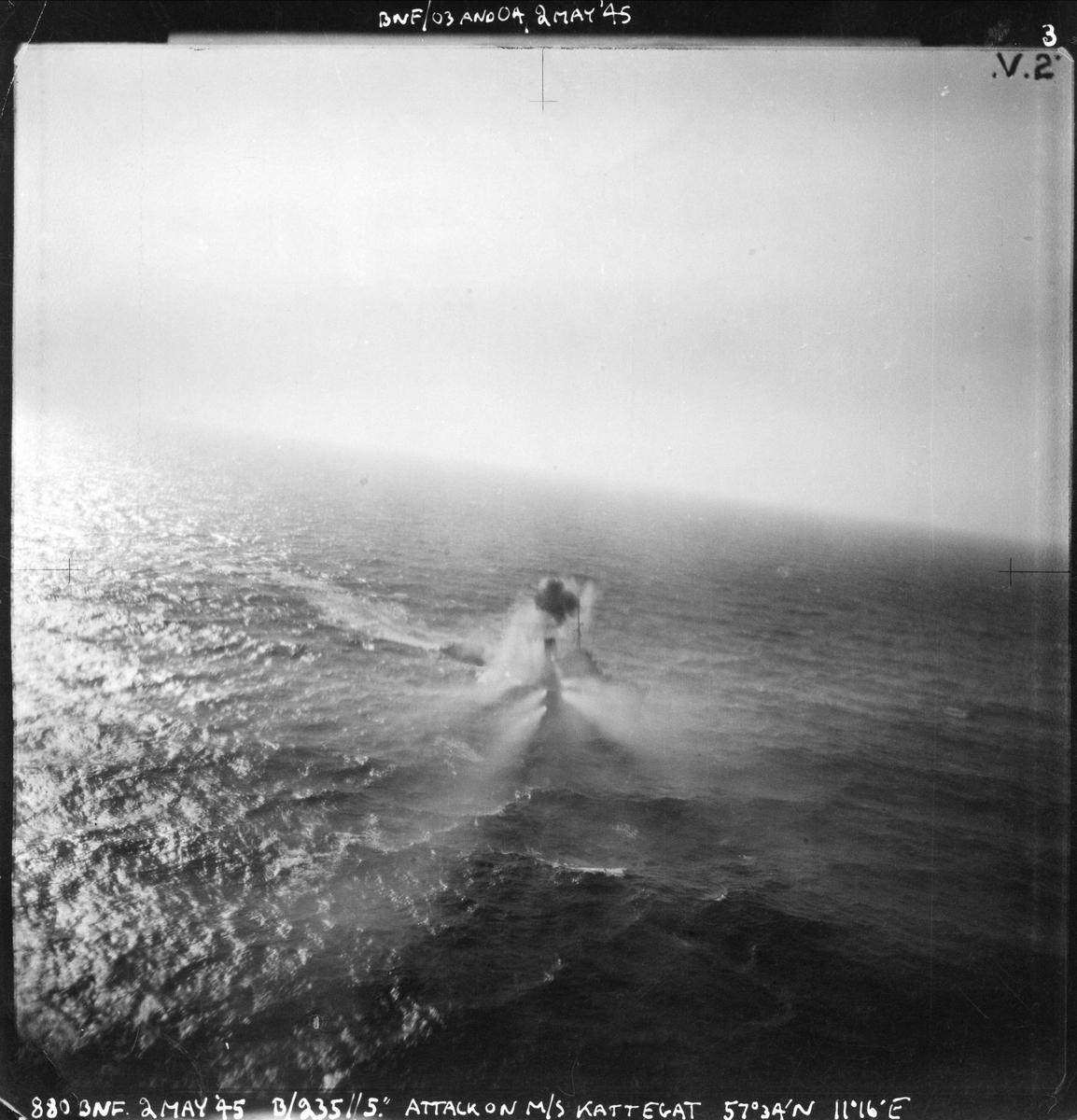 """235 skvadronen angriper MS """"Kattegat"""", 2. mai 1945."""