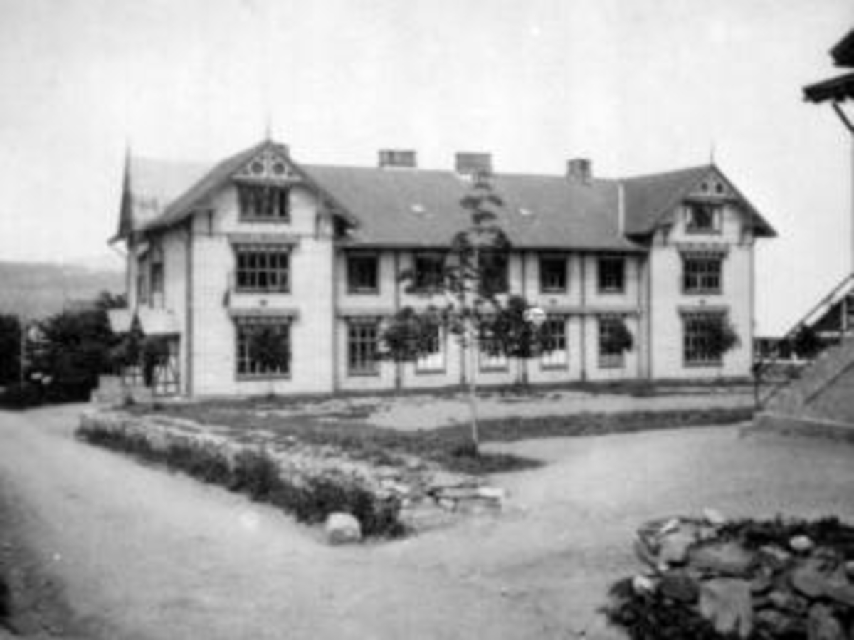 Hovedbygningen på Toftes Gave. Nedre Sund, Helgøya.