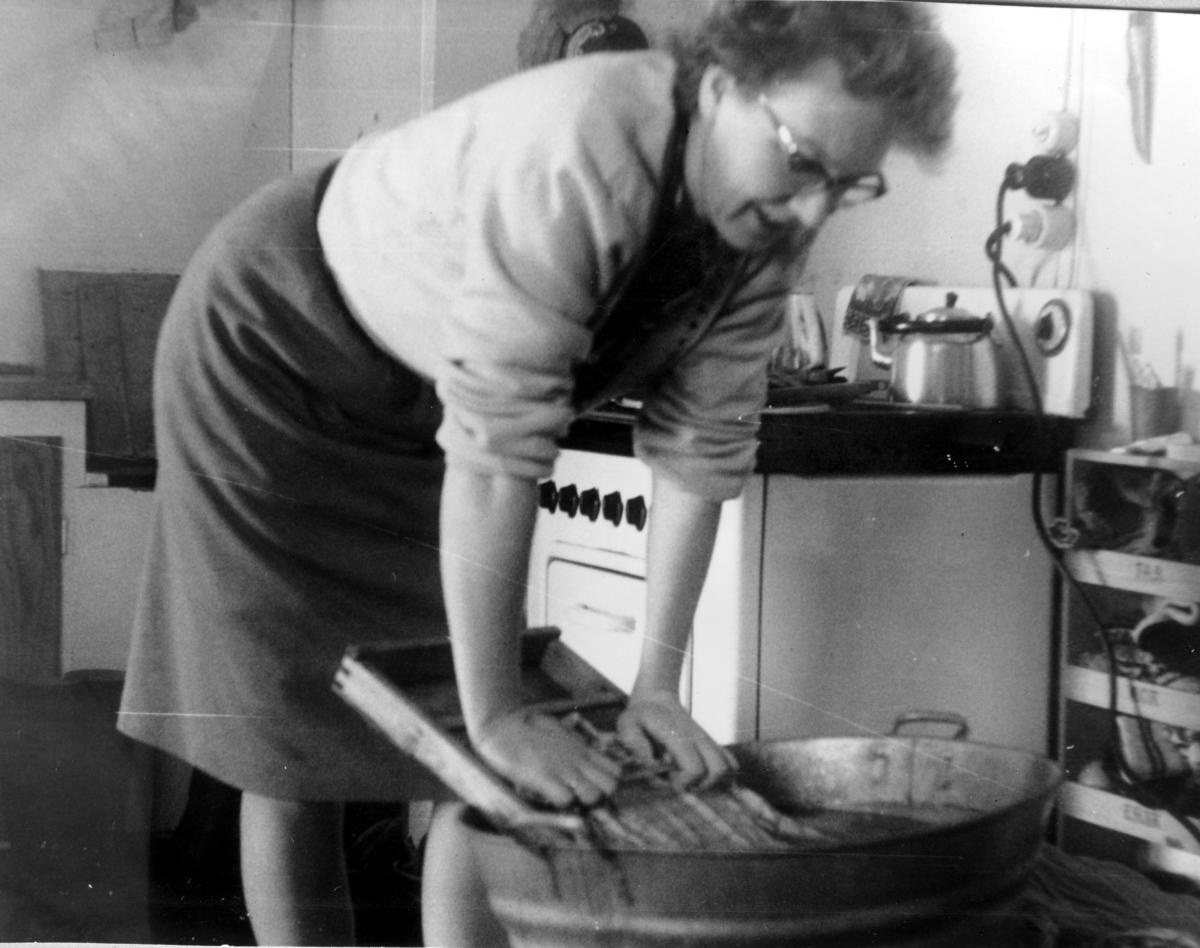 Arbeid i kjøkken