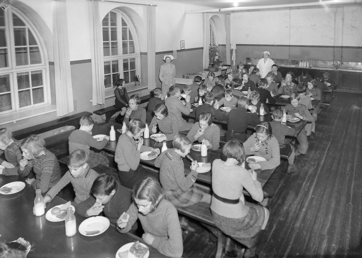 Skolefrokost / Oslofrokost på Ila skole