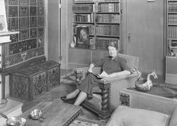 Fru Ingrid Kiær i sitt hjem