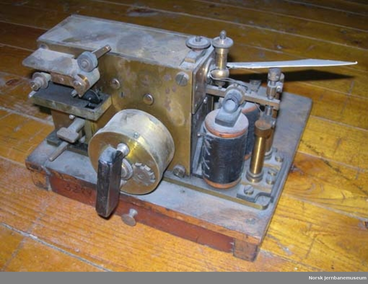 Telegrafapparat : morseapparat