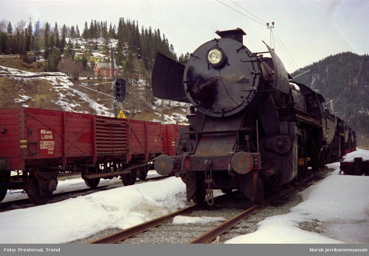 Hensatt damplokomotiv type 63a på Støren