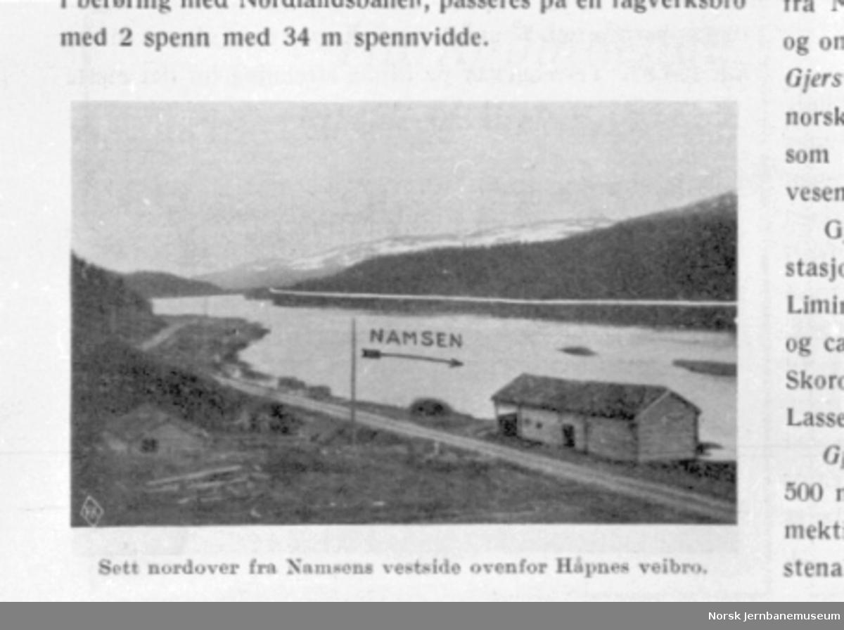Prosjektert Nordlandsbane ovenfor Håpnes vegbru ved Namsskogan inntegnet på foto, hentet fra Meddelelser fra Norges Statsbaner