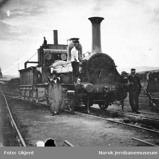 Hovedbanens damplokomotiv nr. 12