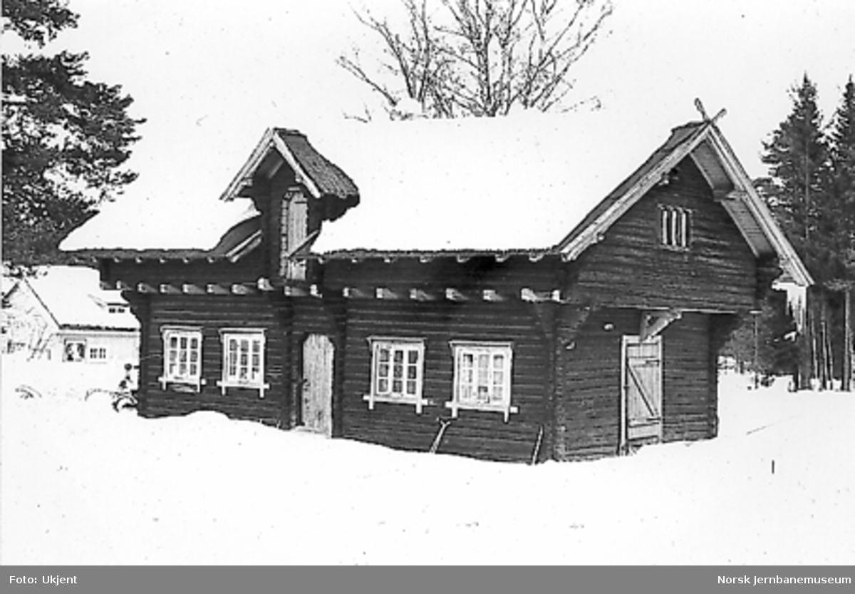 Uthuset på Steinvik stasjon