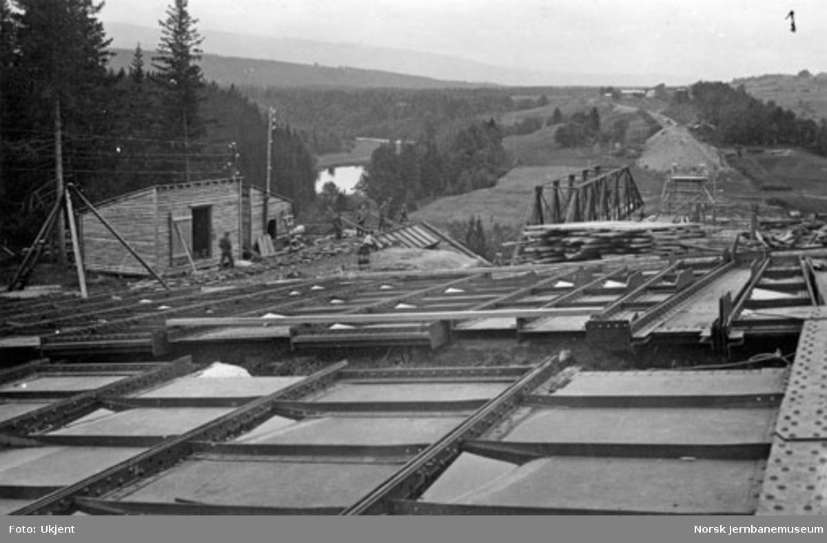 Grana bru : jerndelene opplagt på nordsiden