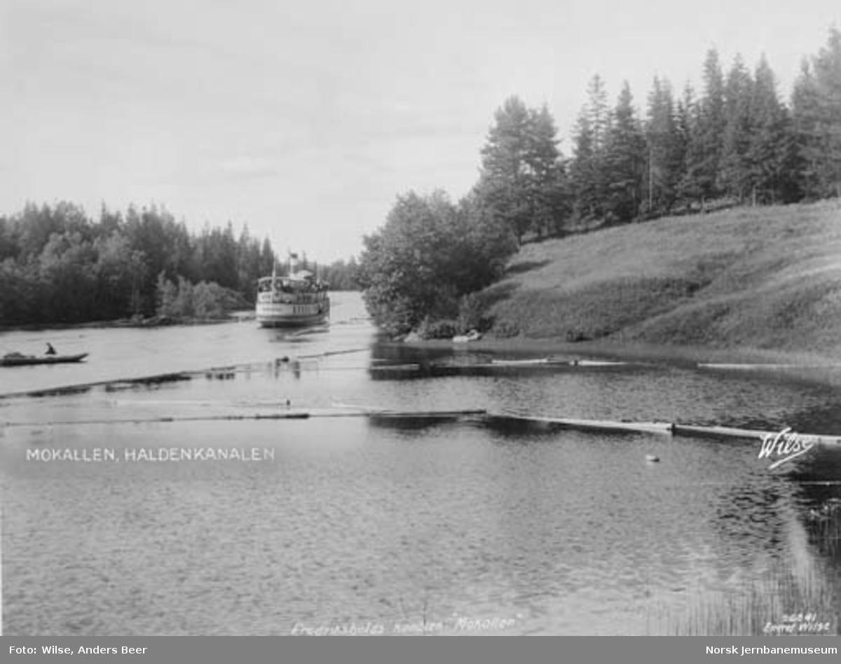 D/S Turisten ved Mokallen i Haldenkanalen