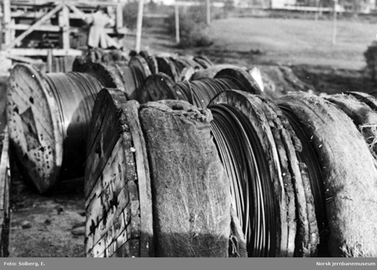 Ofotbanens elektrifisering : ruller med kontaktledning