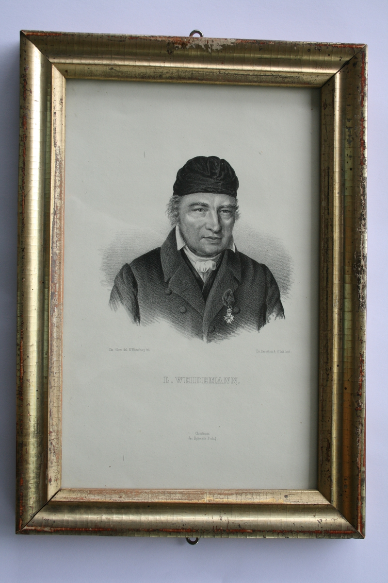 Litografi etter portrett av Lauritz Weidemann (se EM.01365).