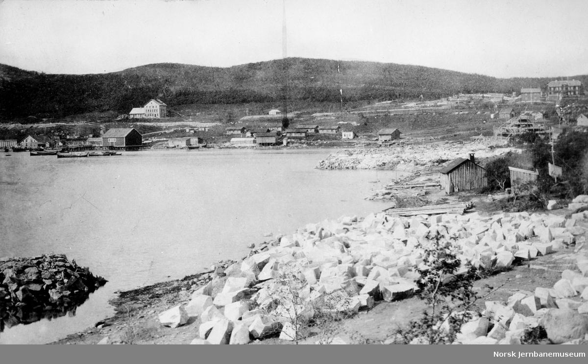 Gamle Narvik med Framnesåsen