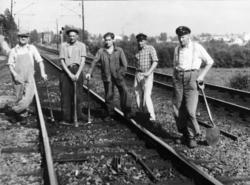 Fem banearbeidere på Strømmen