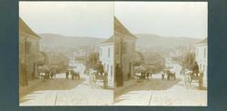 Stereoskopi. Bygate i Bergen, Hordaland, juni 1906. Byliv me