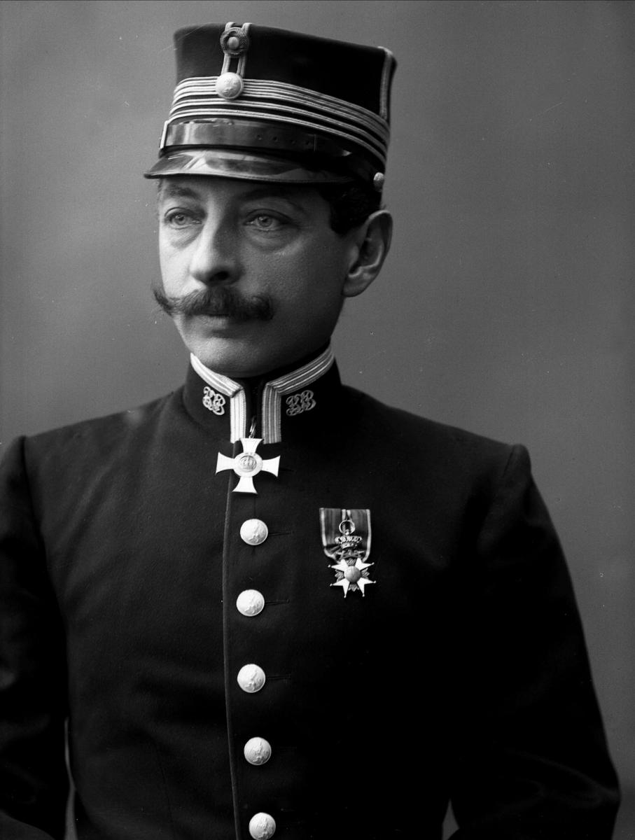Portrett, Sigwald Bull i uniform.