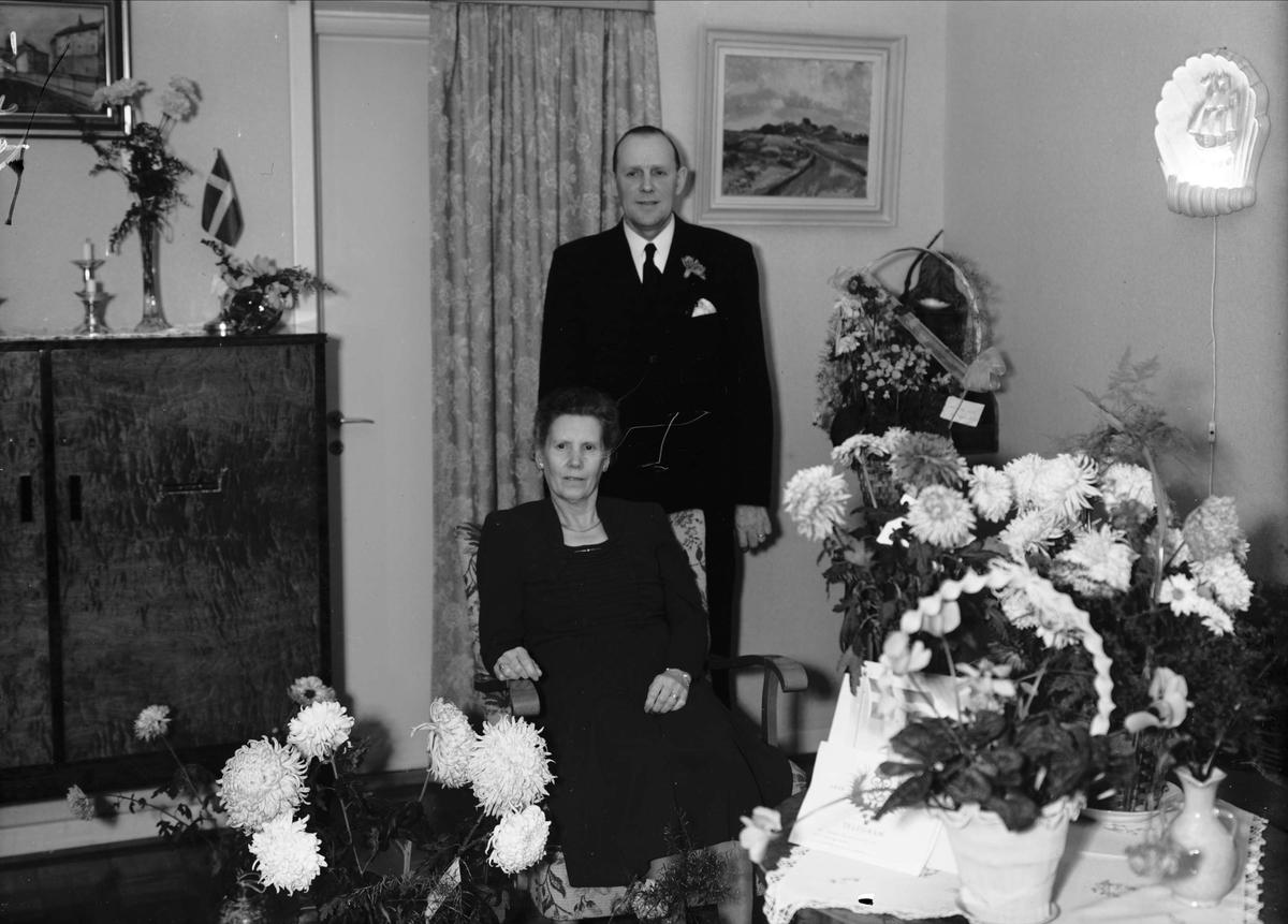 Födelsedagsporträtt - Karlén 50 år, Svartbäcksgatan 99, Uppsala 1948