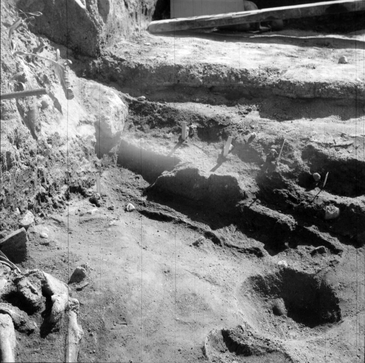 Prästgården, grav 1 - Arkeologi Gamla Uppsala 1973
