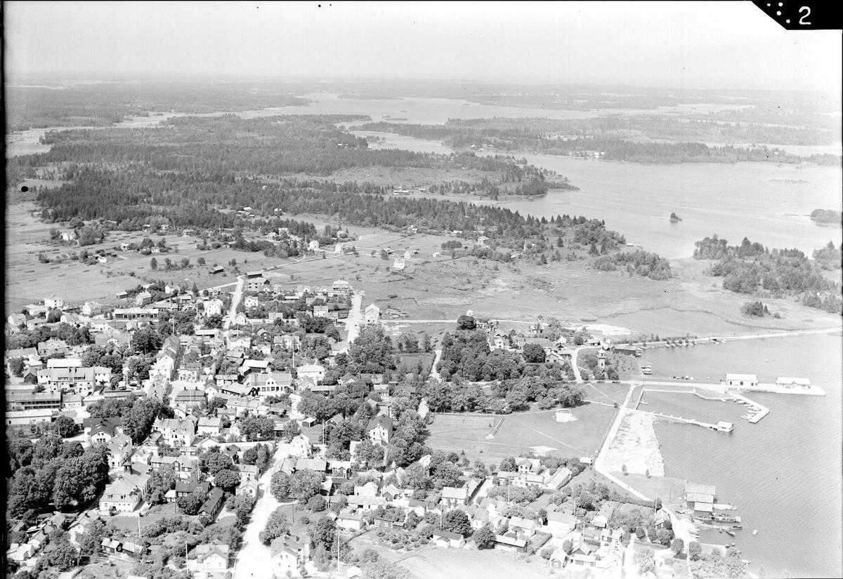 Flygfoto över Östhammar och Östhammarsfjärden, Uppland 1939