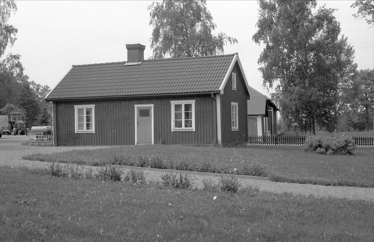 Före detta brygghus och drängstuga, Forkarby 2:3, Bälinge socken, Uppland 1983