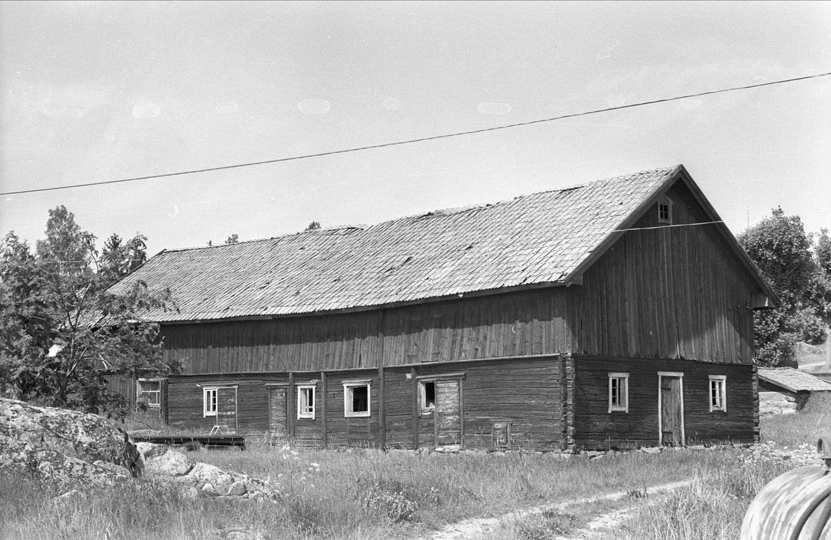 Ladugård och loge, Ängeby 2:1, Övre Ängeby, Danmarks socken, Uppland 1977