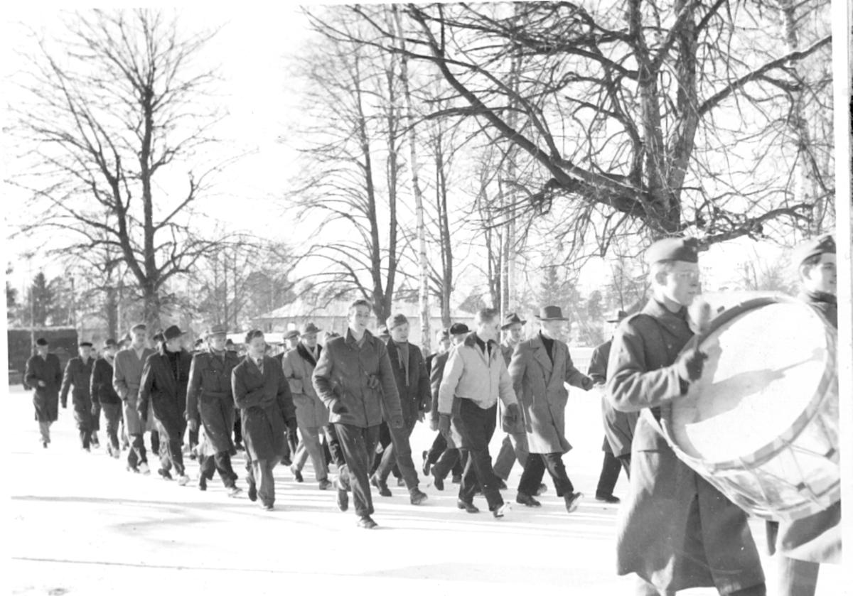 Fallskärmsjägarskolan i Karlsborg 1950-tal.Inryckning.