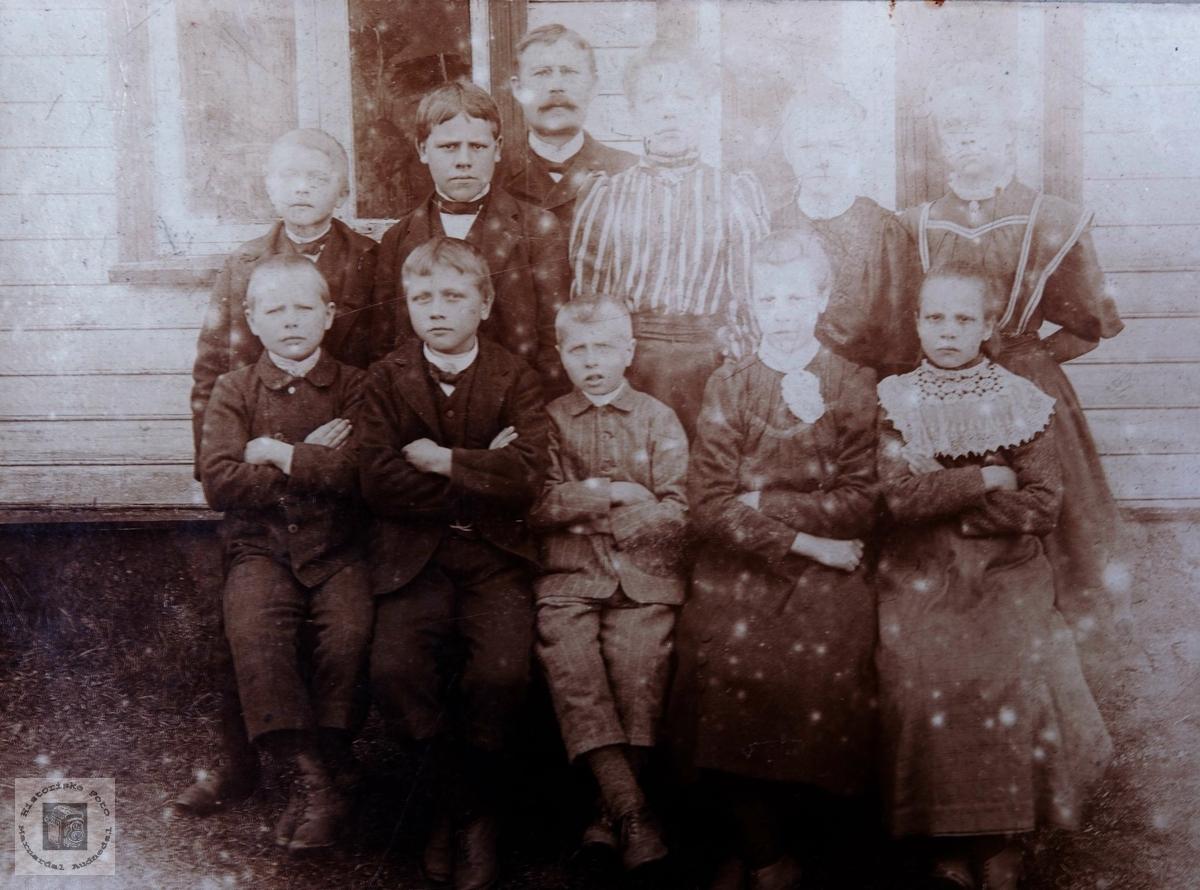 Skolebilde fra Brastad i Konsmo.