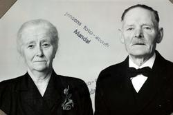 Portrett av ekteparet Ragna Danielsen og Thorn Holte fra Mandal.